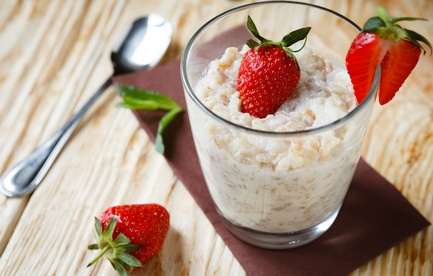 oatmeal with strawberries for breakfast