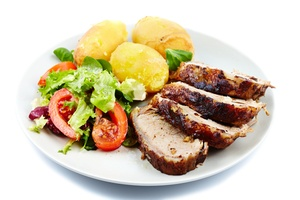Pork tenderloin with salad