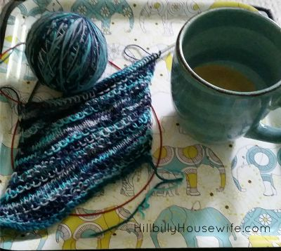 Knitting with The Pretty Yarn