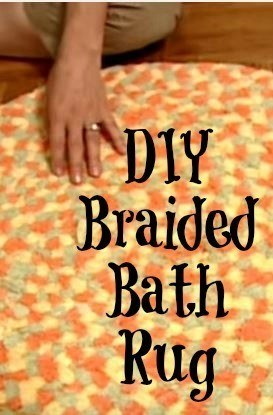 Turn old towels into this cute diy bath rug.