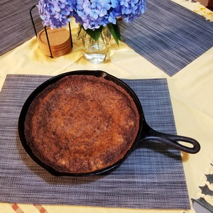 Pear cake in a cast iron skillet